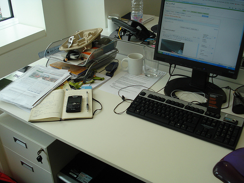 Thedesk2